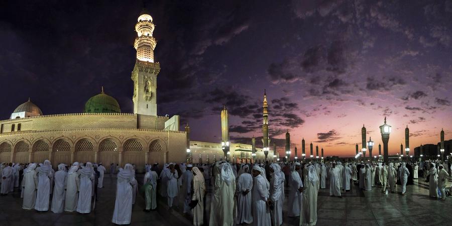 Мечеть Пророка во время фаджра, Медина, Саудовская Аравия