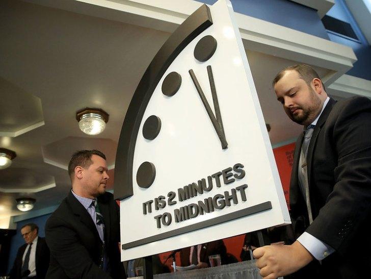 世界終末時計が残り2分30秒に