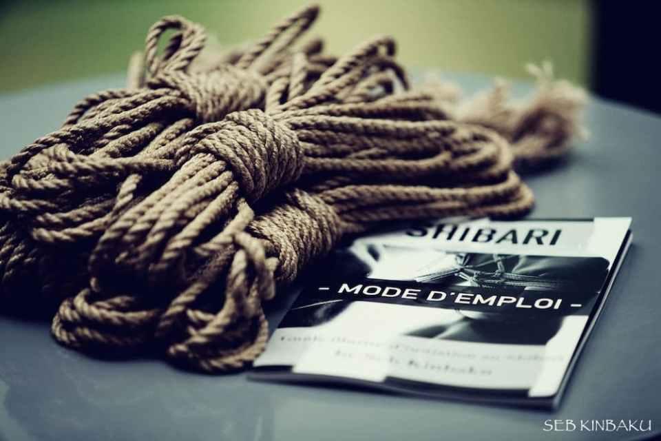 kit debutant shibari : 6 cordes de jute + guide d'initiation au shibari