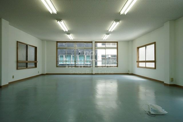 【事業用】南船場のシンプルオフィスはいかが。