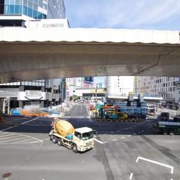 渋谷駅西口歩道橋