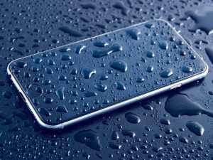 水浸しのiPhone