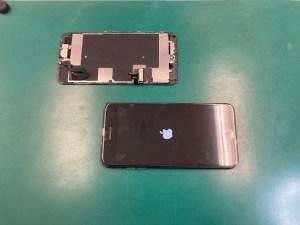 iPhone8Plus交換用パネルで動作チェック