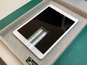 iPadをガラスコーティング