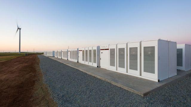 Tesla yenilebilir enerji enerjisbatarya pili