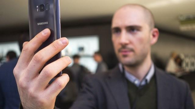 Samsung, FaceID ile rekabet edebilmek için patent aldı!