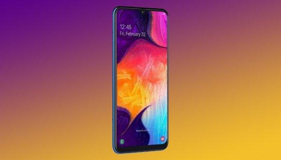 Infinity-U ekranlı Galaxy A50 fiyatı