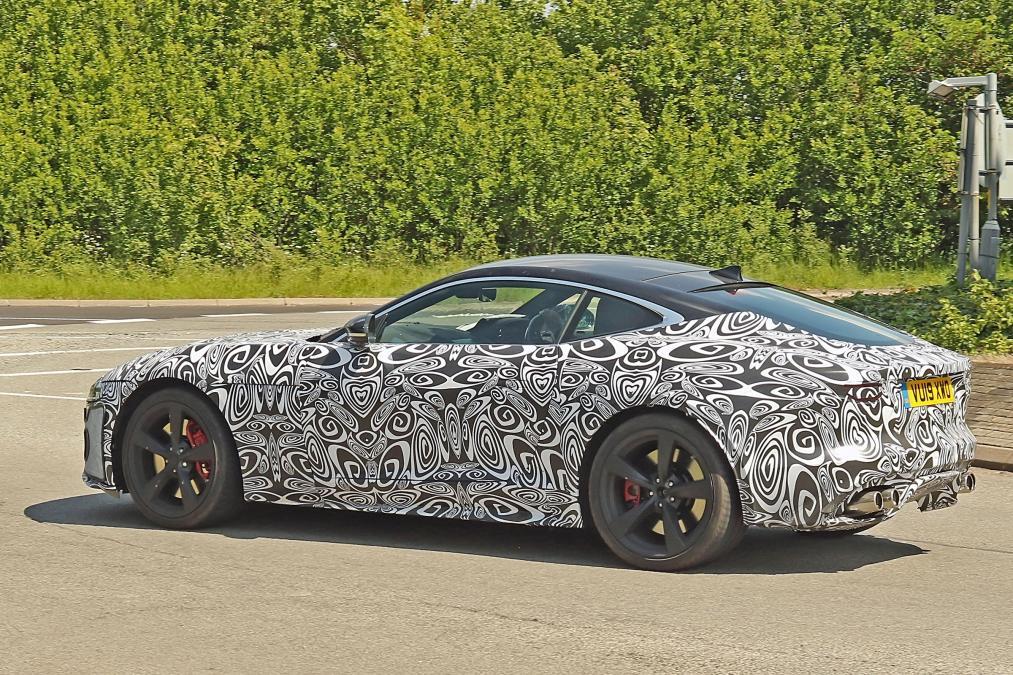 2020 jaguar f-type 4