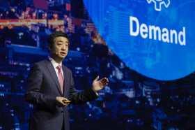 Huawei CEO'su Ken Hu da bir açıklama yaptı!