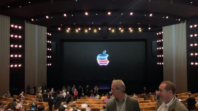 iPhone 11 tanıtıldı – Bol hediyeli Apple canlı yayını