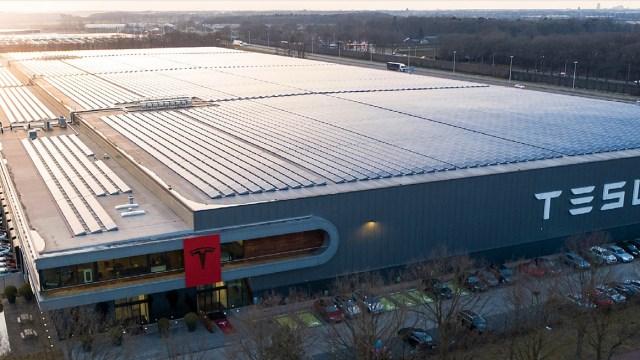 Tesla, Almanya'da Gigafactory açıyor