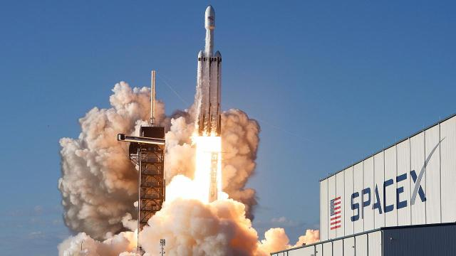 SpaceX Falcon 9 uçuşu ertelendi