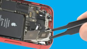 iPhone 12 mini parçalarına ayrıldı!