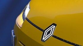 Renault da yeni logo furyasına katılıyor