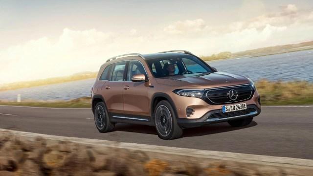 Mercedes-Benz elektrikli SUV EQB'yi tanıttı