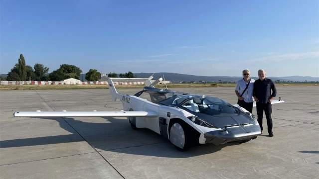 Bilim kurgu filmleri gerçek oldu: Uçan arabaya hız testi