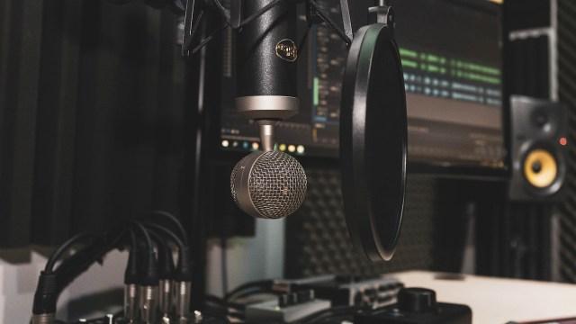 Podcast yapmak isteyenler için en iyi kayıt setleri
