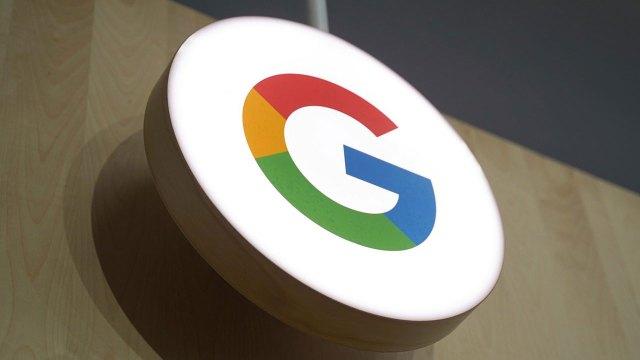 Google finally goes black on desktop!
