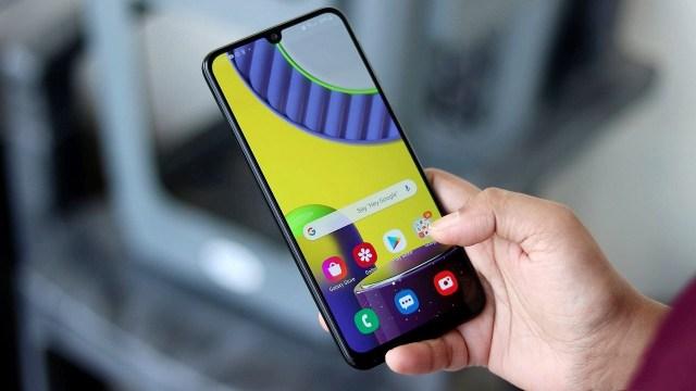 Samsung Galaxy M22'nin üzmeyecek fiyatı sızdırıldı!