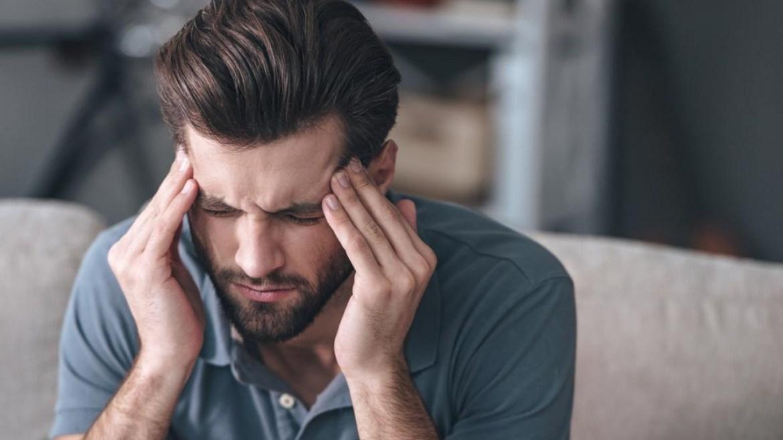 Baş ağrısı koronavirüs belirtisi mi?
