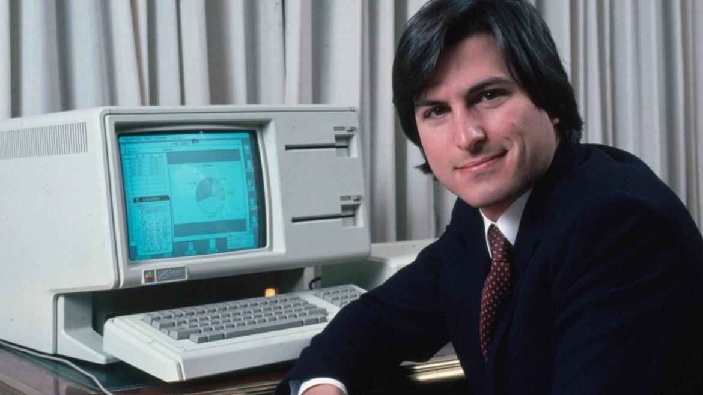 Steve Jobs'ın hayatını anlatan kitaplar