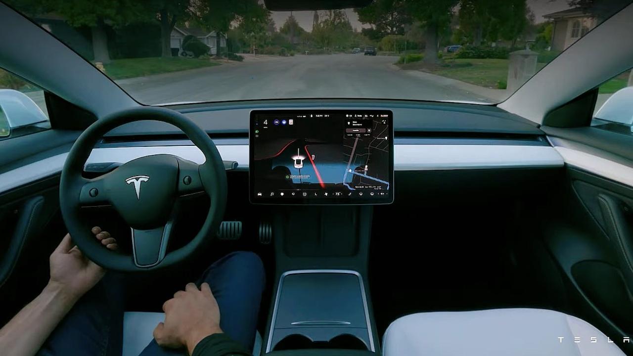 Tesla AI Day etkinliğinde tanıtılan ürünler