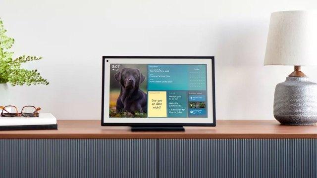 Amazon, yeni akıllı ekranı Echo Show 15'i tanıttı!