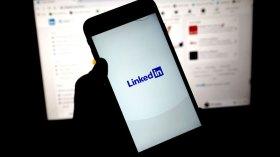 LinkedIn'den geri adım: O özelliğini kaldırıyor!