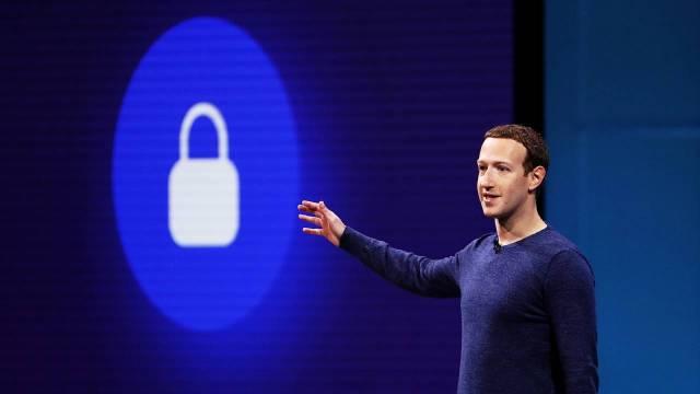 Milyarlarca Facebook ve Clubhouse hesabı satışa çıktı!