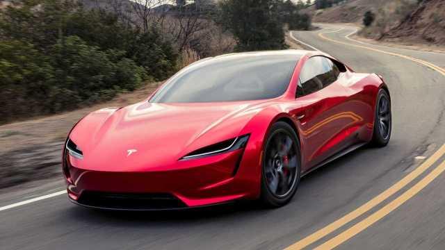 Tesla'ya şok suçlama: Dikkatsiz yapıyor!
