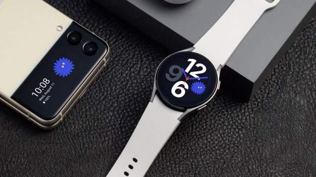 Galaxy Watch 4 beklenen internet tarayıcısına kavuşuyor!