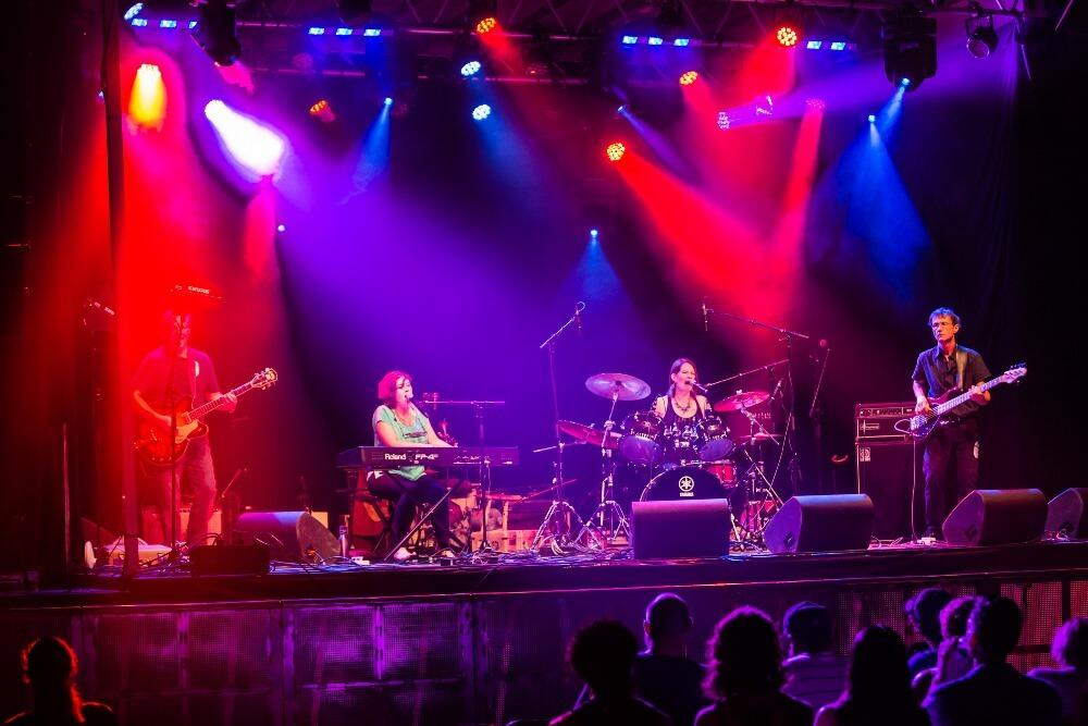 Honey & Rust performing at the CityFolk festival