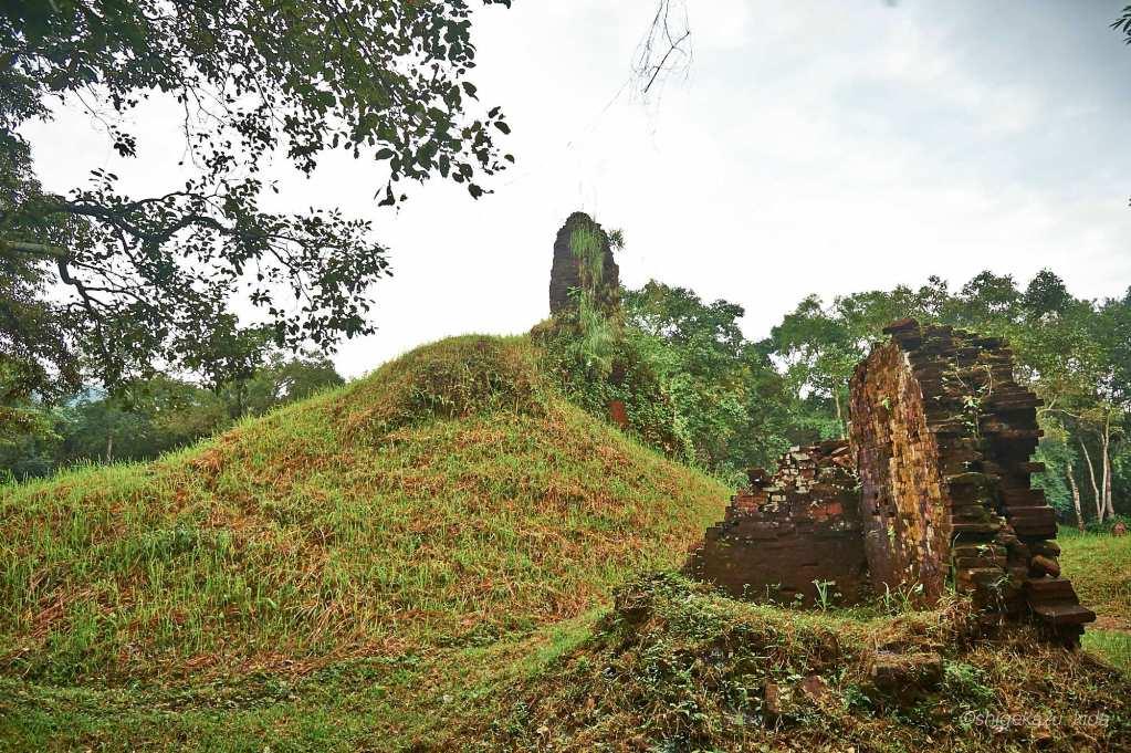 ベトナムMySonSanctuary(ミーソン遺跡)の崩壊した祠堂跡