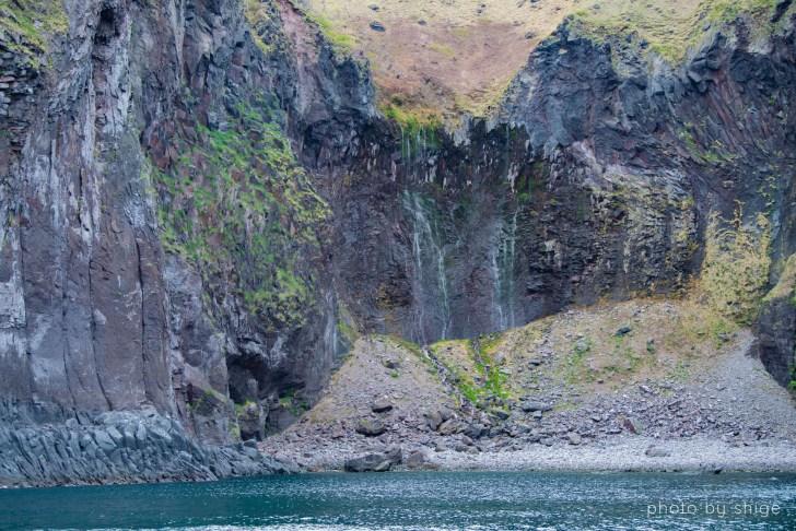 フレペの滝を船から見る