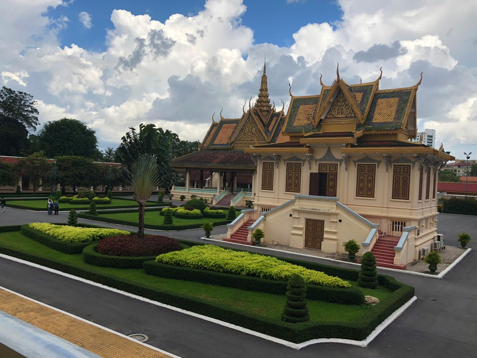 phnom-penh-royal-palace