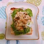 鶏胸肉ときのこマスタードマヨ焼きオープンサンド
