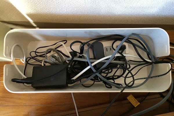Bluelounge CableBox(白)の大きい方の中身