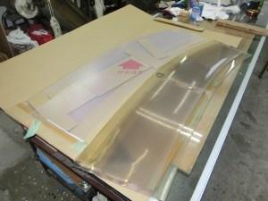 クルーザー用窓:アクリル板からポリカーボネート板へ