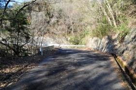瓶割山(長光寺山)岩倉山峠道-谷筋ルート - 登山道入口 手前