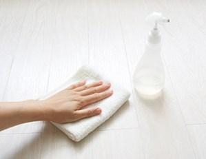 フローリングの表面は常に清潔に保つこと