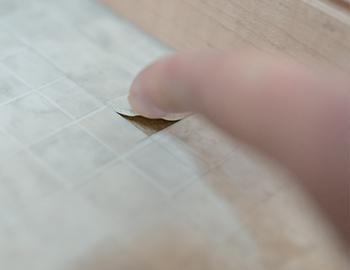 長野市洗面所床の汚れや痛みに対する補修やリフォーム事例