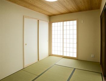 長野市で和室を洋室にする場合のフローリングリフォームの価格帯