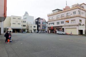小机駅前は広いものの、特に何かが整備されているわけではない