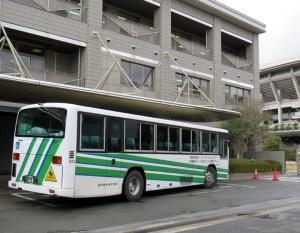 車椅子でも乗車が可能な横浜ラポールなどへの送迎バス