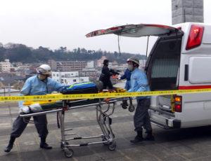 大きな地震が発生すると、ケガをしても救急車に助けを求めることはできなくなる