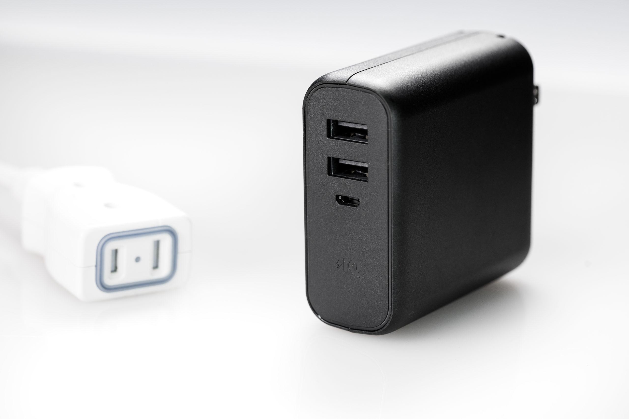 USBポートが2つあるモバイルバッテリー
