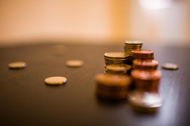 積み重ねられたコイン