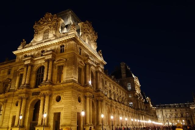 美術館の夜景