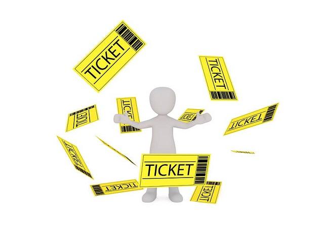 たくさんの黄色いチケット