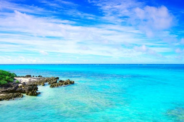 沖縄の透き通った海